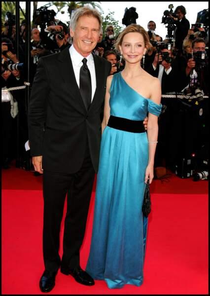 """Harrison Ford et Calysta Flockhart lors de la montée des marches du film """"Indiana Jones 4"""" à Cannes en 2008"""
