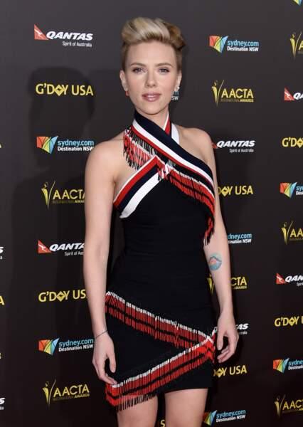 le coucher de soleil pastel de Scarlett Johansson