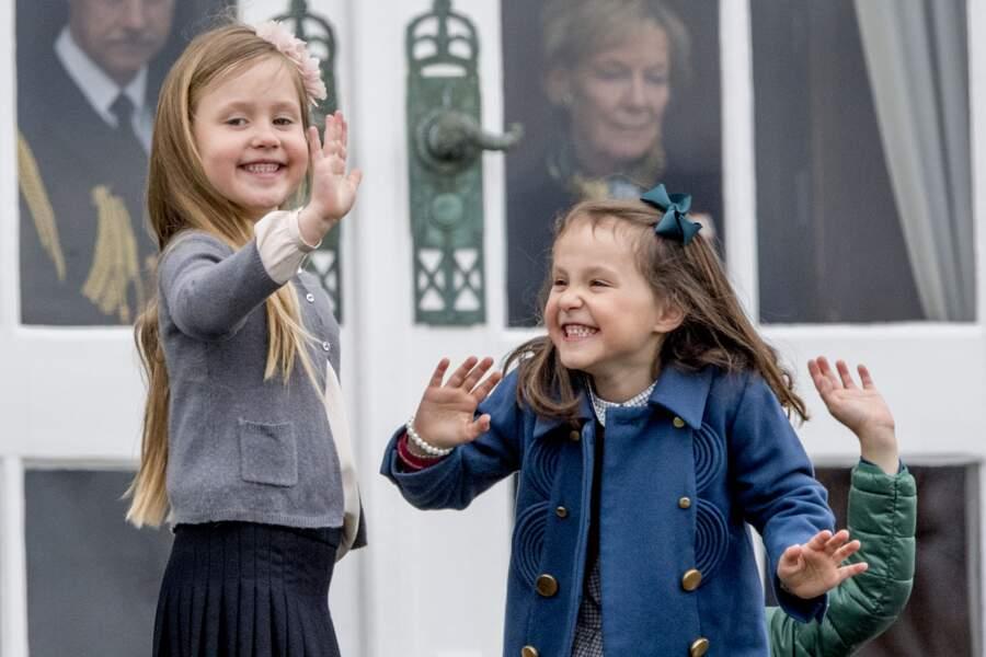 La princesse Josephine et la princesse Athena de Danemark lors des 77 ans de la reine Margrethe II en 2017