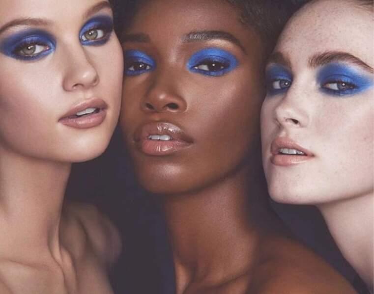 Le smoky bleu de KKW Beauty, la ligne de make-up de Kim Kardashian