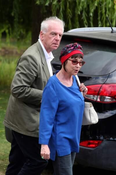 Ariane Carletti et Jacky Jakubowicz aux obsèques de François Corbier au cimetière de Serez, le 5 juillet 2018.