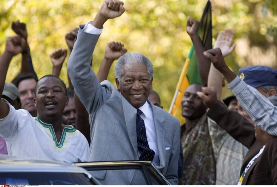 Dans Invictus, sorti en 2009, Nelson Mandela est interprété par Morgan Freeman