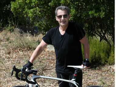 Heureux comme Nicolas Sarkozy sur son vélo