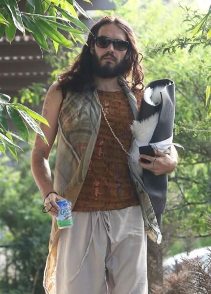 L'ex de Katy Perry, Russell Brand est aussi accro au yoga et à l'eau de coco