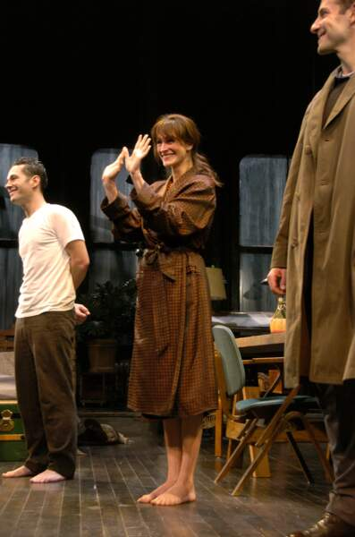 """Avec Paul Rudd et Bradley Cooper à Broadway, pour la pièce """"Three Days of Rain"""" en 2006"""