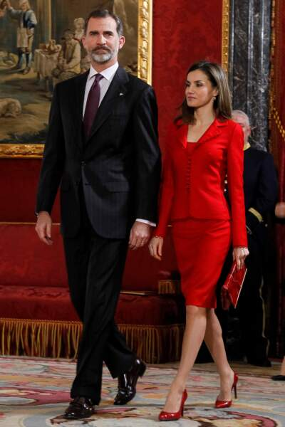 Comme Kate, elle a osé le tailleur rouge