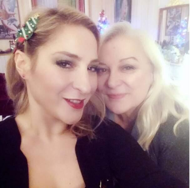 La mère et la fille à Noël