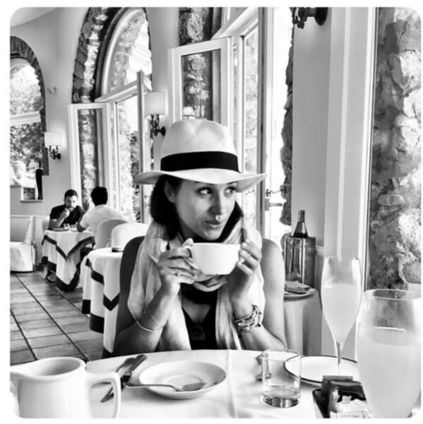 Meghan Markle savoure son petit déj en vacances, été 2016,