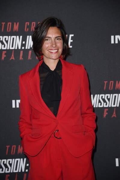 """Carré court et bouche glossy, le look esprit boyish d'Alessandra à la première de """"Mission: Impossible Fallout"""""""