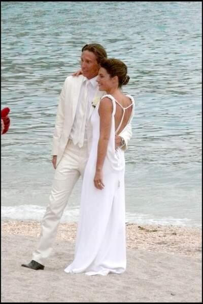 Alessandra Sublet et Thomas Volpi prennent la pose face à la mer