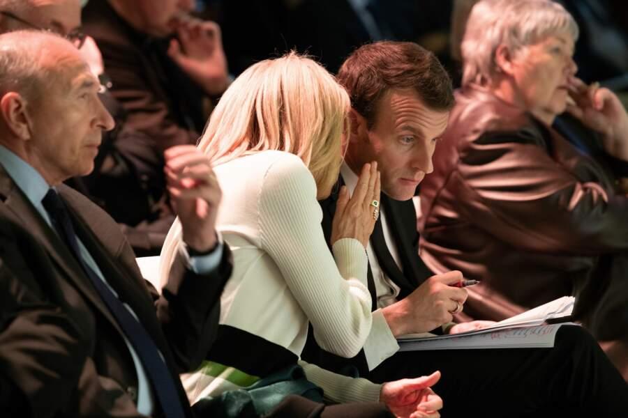 Brigitte Macron donne ses derniers conseils à Emmanuel Macron avant son discours au collège des Bernardins