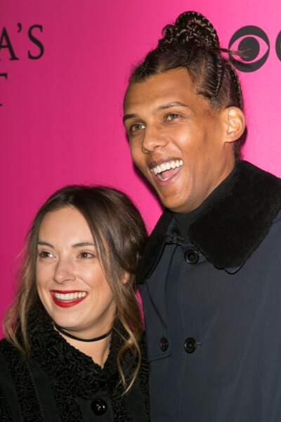 Le chanteur Stromae et sa femme Coralie, au défilé Victoria's Secret