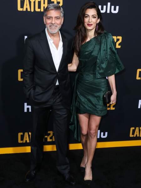 Amal Clooney était souriante aux bras de son mari George