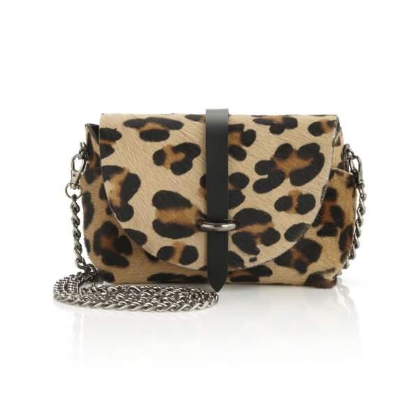 Félin, petit sac imprimé léopard, 125 € (Madeleine).