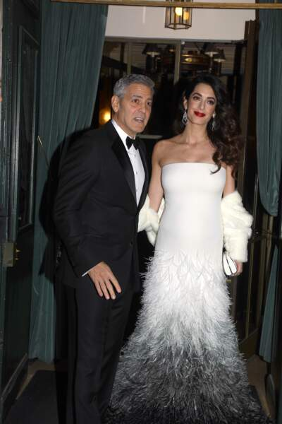 Amal est sublime dans sa robe blanche