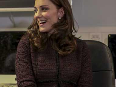 Kate Middleton distribue des cadeaux de Noël aux enfants défavorisés