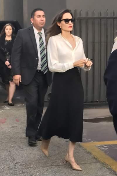 Angelina Jolie, très amaigrie devant la Academy of Motion Arts à Los Angeles
