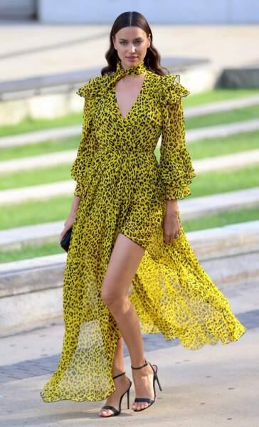 Irina Shayk, la jeune maman sublime en Diane von Furstenberg