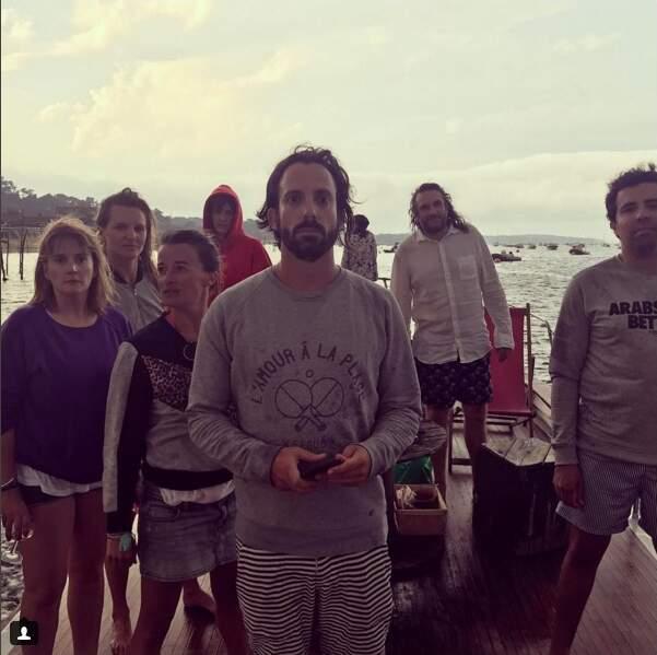Valérie Damidot photographie ses amis après avoir essuyé un orage en mer