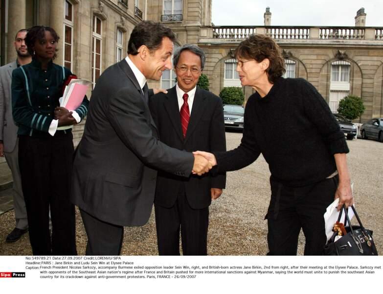 Jane Birkin rencontre Nicolas Sarkozy et l'opposant birman Ludu Sein Win à l'Elysée (2007)