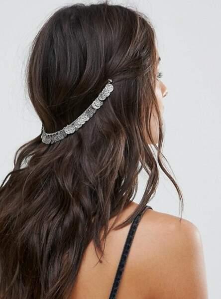 La couronne avec pièces métalliques effet bohème