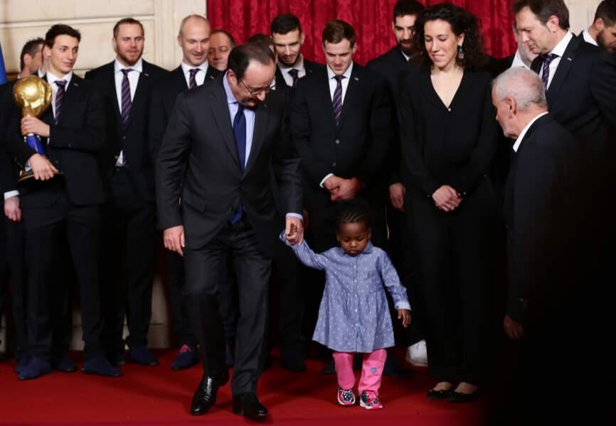François Hollande et la fille d'un des Experts.