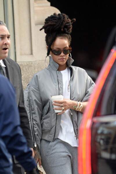 Rihanna assume les dreadlocks à New York