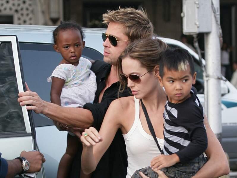 Brad Pitt, Angelina Jolie, Maddox et Zahara en Inde en 2006
