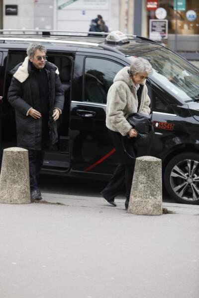 Jean-Michel Jarre et Charlotte Rampling aux obsèques de Henry Chapier à Paris le 4 février 2019
