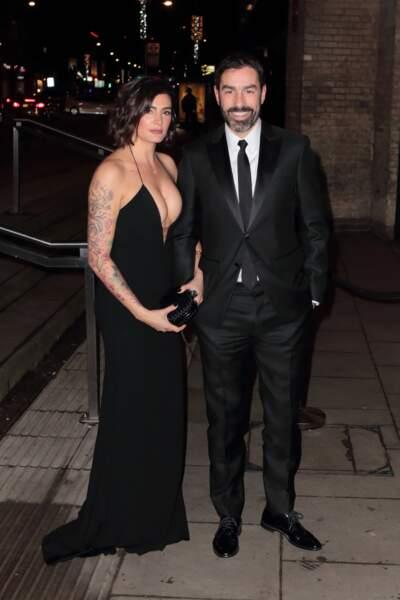 Robert Pires, champion du monde 98, et sa femme Jessica, à Londres, le 18 février 2019.