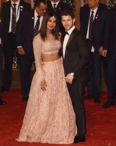 Nick Jonas en costume chic pour son mariage avec Priyanka Chopra à Bombay le 12 décembre 2018