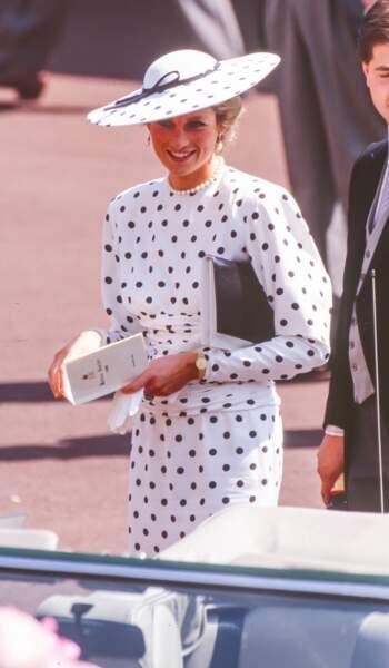 En juin 1988 la princesse Diana rend hommage aux poids !