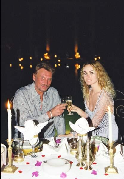 Mars 2000, Johnny et Laeticia fêtent leur 4ème anniversaire de mariage au palais Rhoul à Marrakech.