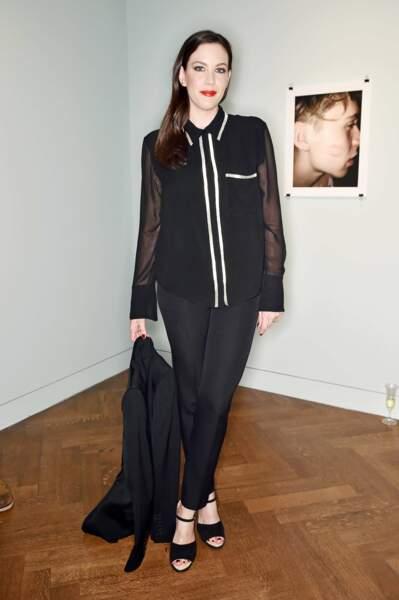 Liv Tyler, décontractée à l'inauguration de l'expo What I See de Brooklyn Beckham