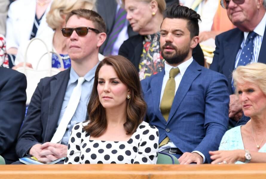 Kate Middleton ravissante les cheveux aux épaules dans les gradins de Wimbledon