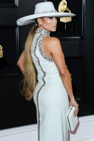 La queue-de-cheval basse ultra longue de Jennifer Lopez.