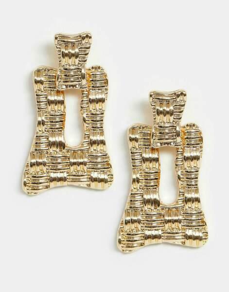 GOLD, boucles d'oreilles carrée en métal tréssé. Asos, 8,49 €