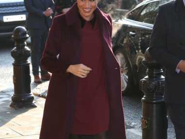PHOTOS - Meghan Markle en manteau et robe prunes à Grenfell Tower