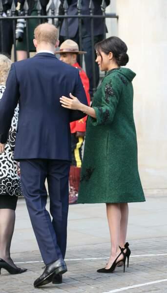 Meghan Markle s'est montrée très tactile avec le prince Harry