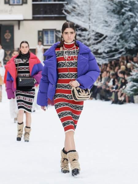 Chanel rend la doudoune colorée très Couture pour la saison Automne-Hiver 2019/2020