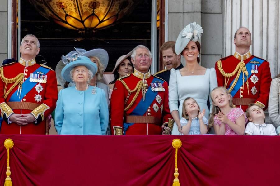 """La reine et la famille royale britannique lors du rassemblement militaire """"Trooping the Colour"""""""