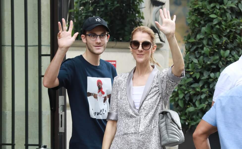 Céline Dion et son fils René-Charles quittent l'hôtel Royal Monceau à Paris le 19 juillet 2017