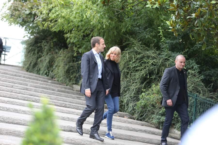 Brigitte Macron en septembre 2016, avant d'être première dame, en baskets