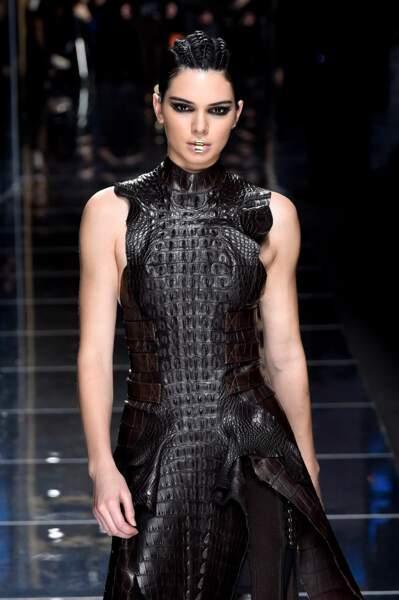 Kendall Jenner en reine gothique pour Olivier Rousteing
