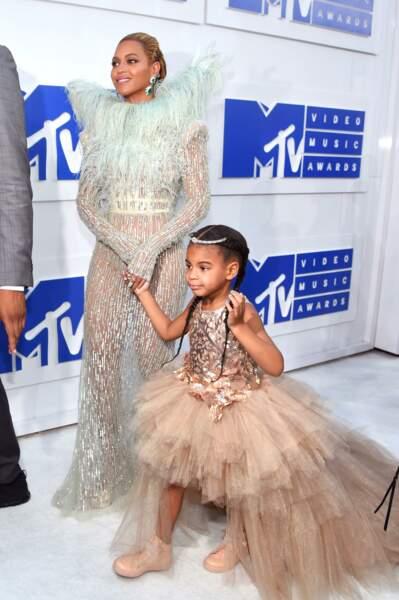 Beyoncé en Maison Francesco Coscognamiglio et sa fille Blue Ivy