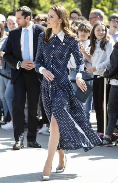 Kate Middleton ose la robe fendue Alessandra Rich à Bletchey Park, le 14 mai 2019