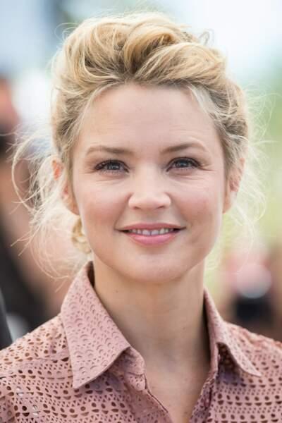 Une passion pour les chignons pour Virginie Efira en 2016 ici à Cannes