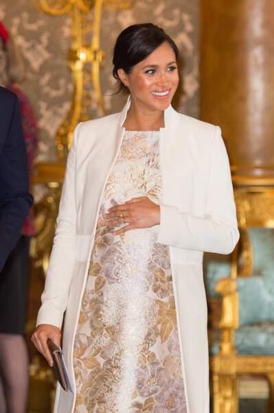 Meghan Markle, souriante et radieuse à la cérémonie en l'honneur de son beau-père, le prince Charles