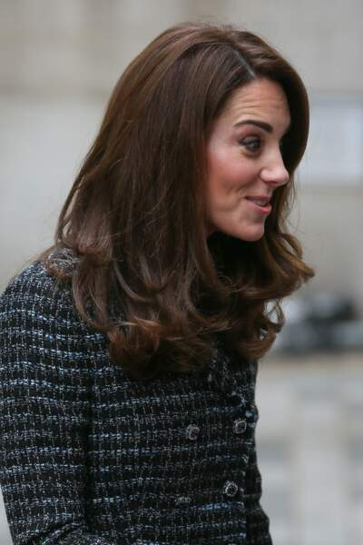 Kate Middleton les cheveux lâchés et légèrement ondulés le 13 février 2019.