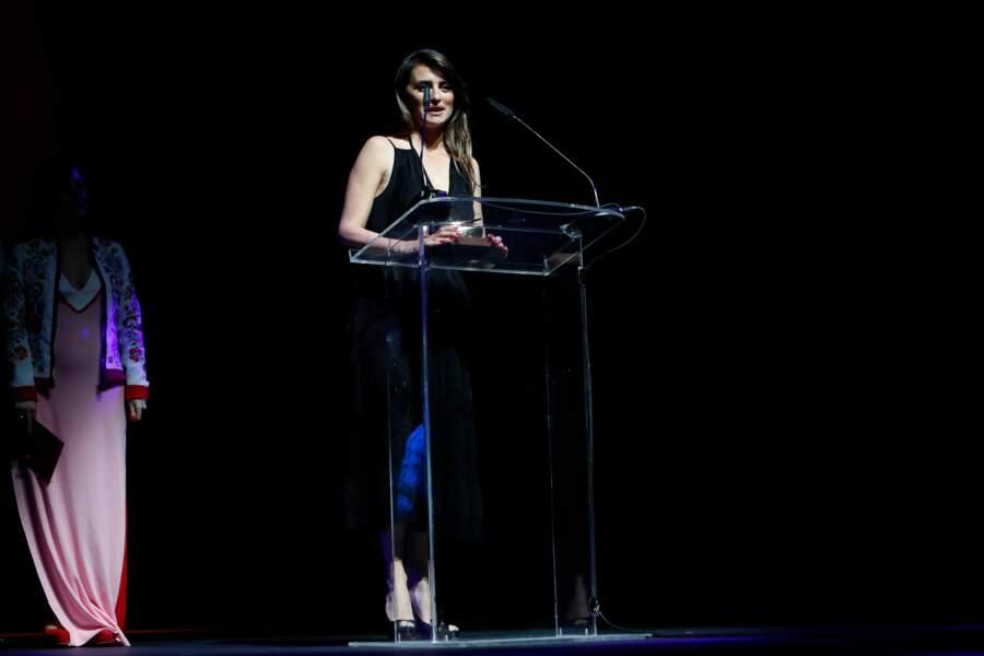 Doublement récompensée, Penélope Cruz est montée sur scène avec émotion